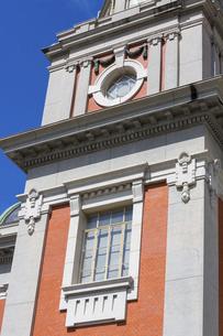 青空に映える大阪市中央公会堂の写真素材 [FYI04922392]