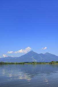 猪苗代湖と磐梯山の写真素材 [FYI04922701]