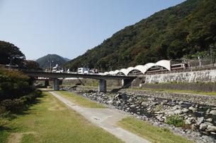 箱根湯本と早川とあじさい橋の写真素材 [FYI04922871]