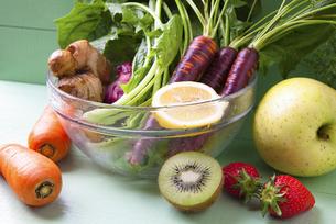 様々な野菜とフルーツの写真素材 [FYI04924668]