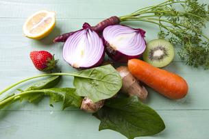 様々な野菜とフルーツの写真素材 [FYI04924675]