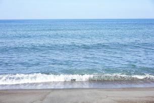 晴れた日の青い海の写真素材 [FYI04924751]