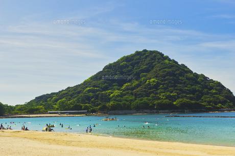 夏の菊ヶ浜海水浴場の写真素材 [FYI04924817]