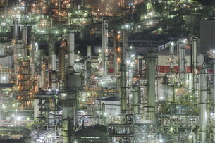 四日市港ポートビルから四日市コンビナートの夜景の写真素材 [FYI04925207]