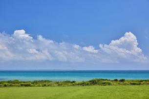 小浜島と海の写真素材 [FYI04925607]