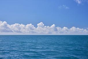 青い海と空の写真素材 [FYI04925619]