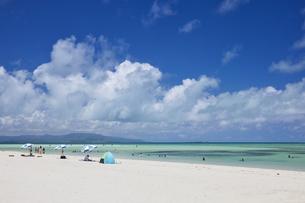 竹富島のコンドイ浜の写真素材 [FYI04925630]