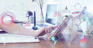 テクノロジーとホログラムのCGデザインの写真素材 [FYI04926086]