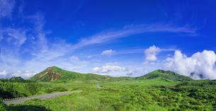 熊本県 風景 阿蘇山上広場駐車場よりの眺望の写真素材 [FYI04926552]