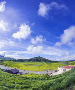 熊本県 風景 草千里ヶ浜の写真素材 [FYI04928224]