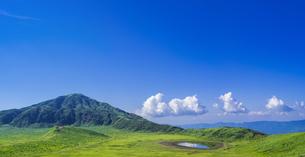 熊本県 風景 草千里ヶ浜の写真素材 [FYI04928243]