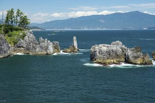 唐桑半島 半造からの折石と八幡岩の写真素材 [FYI04928281]