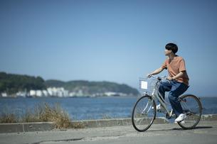 埠頭サイクリングの写真素材 [FYI04928949]