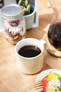 コーヒーと雑貨の写真素材 [FYI04929186]