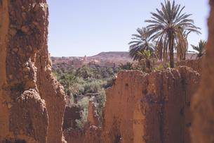 モロッコ ティネリール近郊トドラ渓谷の廃墟のカスバからの絶景の写真素材 [FYI04929507]
