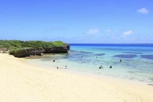 沖縄・池間島 フナクスビーチと海の写真素材 [FYI04929592]