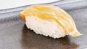 【和食】サーモンの寿司 握り寿司の写真素材 [FYI04930028]