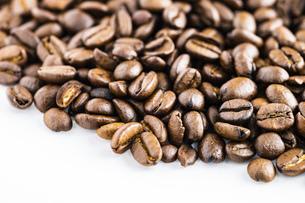 【カフェ】コーヒー豆 背景素材の写真素材 [FYI04930196]
