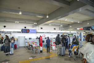 高松空港(チェックインカウンター)の写真素材 [FYI04930767]