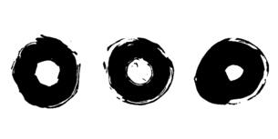 筆による丸い円形の和風素材セットのイラスト素材 [FYI04933142]