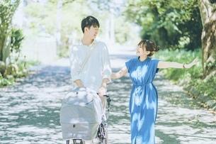 仲良し夫婦の写真素材 [FYI04933787]