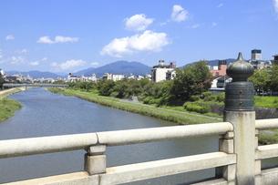 夏の五条大橋の写真素材 [FYI04937644]