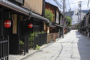 祇園新橋の家並の写真素材 [FYI04937652]