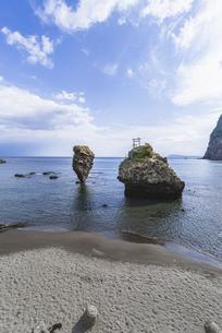 えびす岩と大黒岩の写真素材 [FYI04938610]
