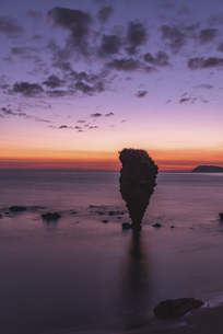 夜明けのえびす岩の写真素材 [FYI04939540]