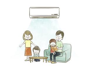 エアコンで快適に過ごす家族のイラスト素材 [FYI04940454]