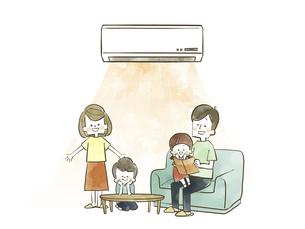 エアコンで快適に過ごす家族のイラスト素材 [FYI04940455]