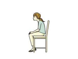 椅子に座っている猫背の女性のイラスト素材 [FYI04940487]