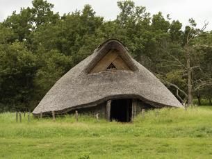 加曽利貝塚公園の復元竪穴式住居 千葉県の写真素材 [FYI04940688]