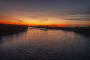 残照最上川の写真素材 [FYI04941399]