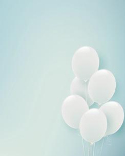 白い風船の水色背景イラストのイラスト素材 [FYI04941804]