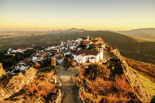ポルトガルの白い村マルヴァオンの写真素材 [FYI04943330]