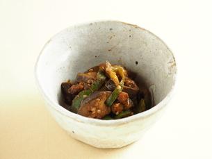 ナスとピーマンの味噌炒めの写真素材 [FYI04943939]