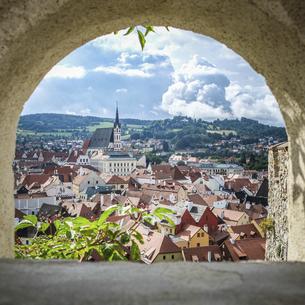 チェコの小さな美しい町チェスキー・クルムロフの写真素材 [FYI04944226]