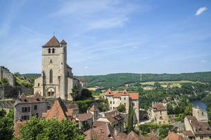 自然豊かな場所にあるフランスの美しい村サン・シル・ラポピーの写真素材 [FYI04949042]