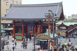 浅草寺の玄関口 雷門の写真素材 [FYI04950105]