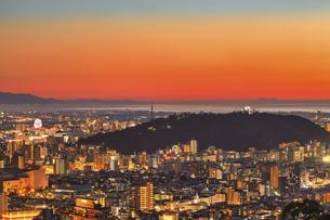 松山市(夕景)の写真素材 [FYI04951152]