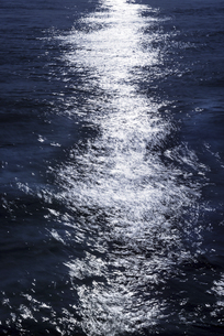海面、光の反射の写真素材 [FYI04951823]
