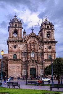 世界遺産の街ペルー、クスコのカトリック教会の写真素材 [FYI04953325]