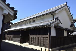 奈良/青空の今井町の町並みの写真素材 [FYI04953848]