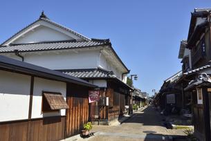 奈良/青空の今井町の町並みの写真素材 [FYI04953858]