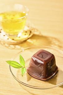 水ようかんとお茶の写真素材 [FYI04955212]