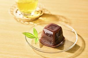 水ようかんとお茶の写真素材 [FYI04955213]