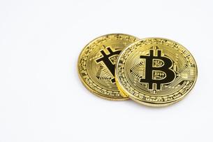 【仮想通貨】ビットコイン 背景素材の写真素材 [FYI04955423]