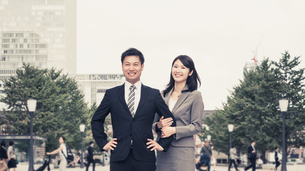 東京(東京駅・ビジネスパートナー・東京で働く)の写真素材 [FYI04957702]