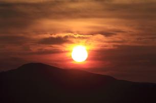 高ボッチから望む夜明けの写真素材 [FYI04958165]